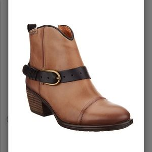 Pikolinos Leather Buckle Ankle Boots - Baqueria